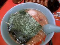 山岡豚骨醤油