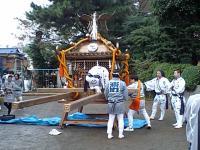 大稲荷神輿準備2
