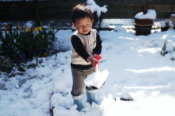 雪かきするよ