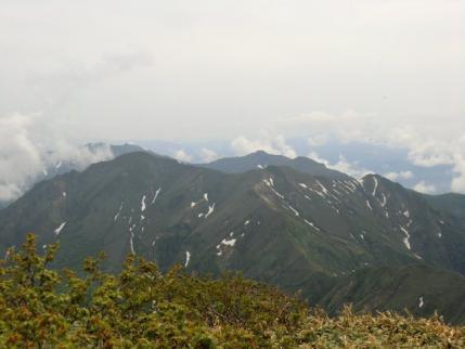 仙ノ倉山頂から谷川岳方面