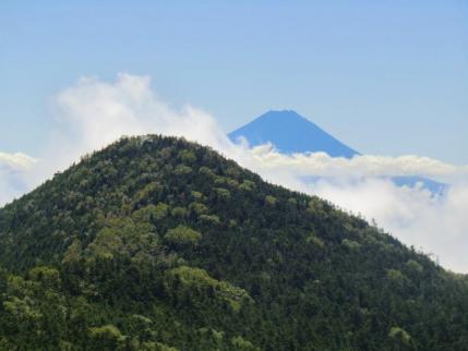 三宝岩から甲武信ヶ岳