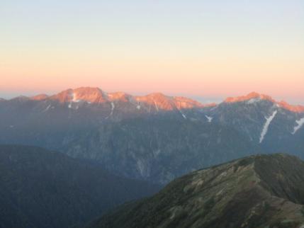 立山、剣岳が朝日に染まって