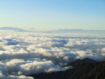 八ヶ岳、富士山、南アルプス遠望