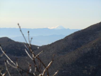 地蔵岳の左に富士山