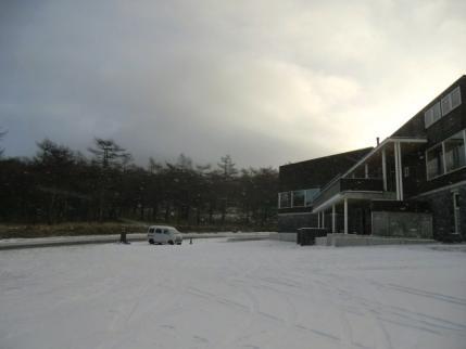 雪降ってるし・・・