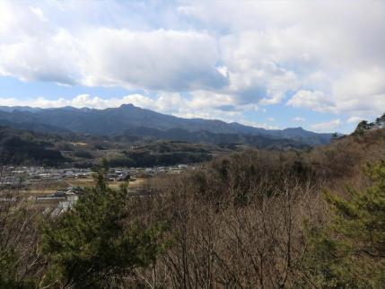 見晴台から稲含山