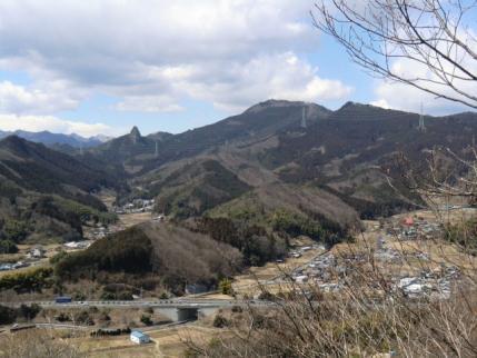 吾妻山から鍬柄岳・大桁山
