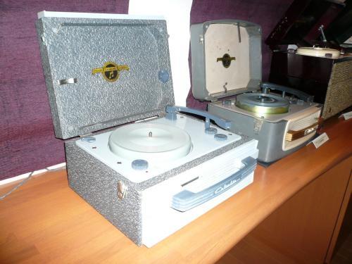 コロムビアポータブル電蓄 1970年代