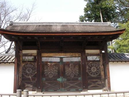 醍醐寺三宝院唐門
