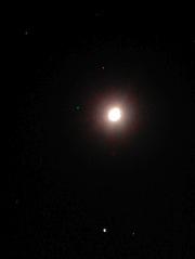 やや上弦の月