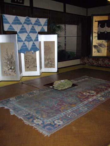 屏風祭りの絨毯