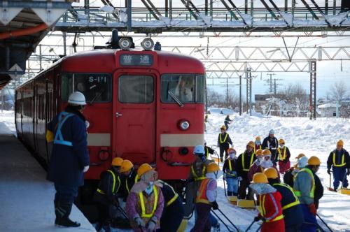 雪かき 滝川駅711系