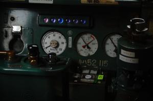 キハ52-115 運転台