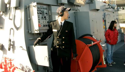 海上自衛隊護衛艦「いせ」「さざなみ」一般公開(1)-3