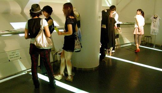 神戸ファッション専門学校作品発表会2011(2)-1