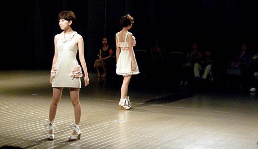 神戸ファッション専門学校作品発表会2011-1