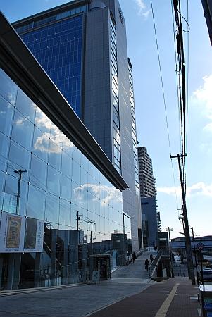 阪神岩屋駅を南へ