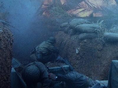 砲弾の中 最前戦で戦う、