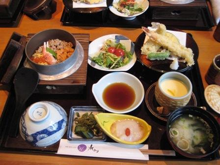 ①釜めしと天ぷら