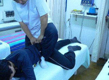 平成22年3月17日田之上さんの臀部を治療