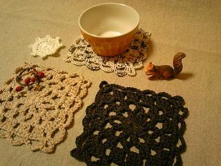 モチーフ編みコースター