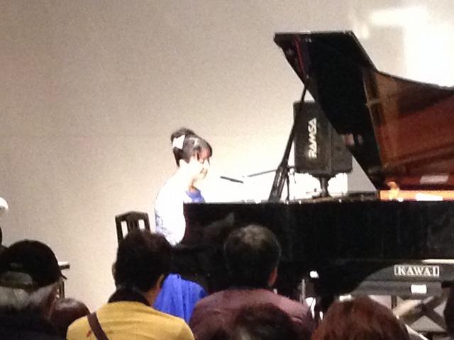 前川裕美さん演奏