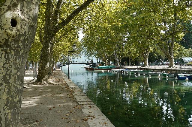 フランス02アヌシーの水辺