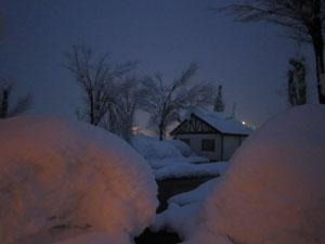 雪の中のレストラン