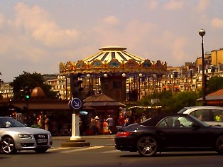 パリのメリーゴーランド