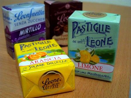 イタリアの空港で買ったマッチ箱サイズのキャンディ