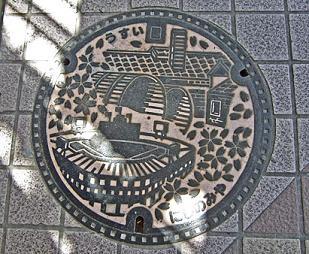 西宮市の雨水マンホール