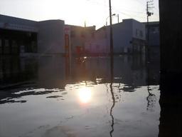 マンホールからも海水、津波で下水管逆流 宮城・気仙沼  16時30分ごろ TKY201003010465