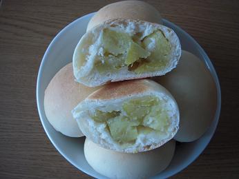 おいもパン