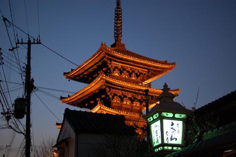 法観寺のライトアップ