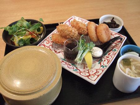 牡蠣フライとホタテのクリームコロッケ