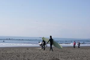 2010.04.18 湘南のサーファー