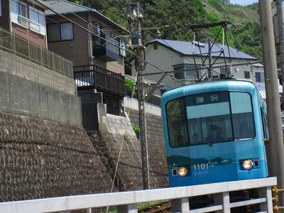 藤沢行きですかー江ノ電。