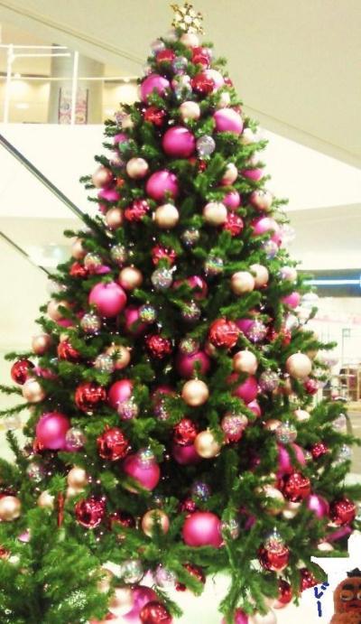 街のクリスマスツリー(ピンク)#9829;