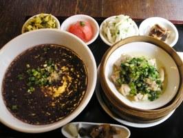 上海粥と蒸し鶏の膳