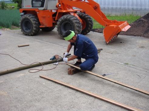 流しそうめんの竹樋作製