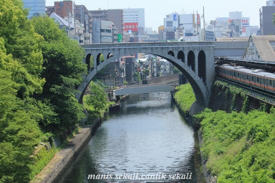 cantik1_20110627071609.jpg