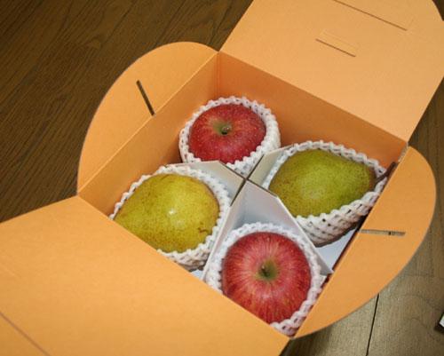 箱の中 果物