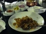 Deccan Rendezvous ホテルのソバのシーフードレストランのチキンビリヤニ