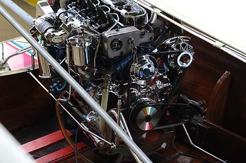 派手なエンジン