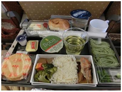 250927シンガポール航空機内食(lunch)1