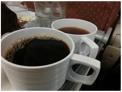 250927シンガポール航空機内食(lunch)3(お茶)