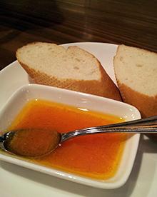 トマト風味のオリーブオイル