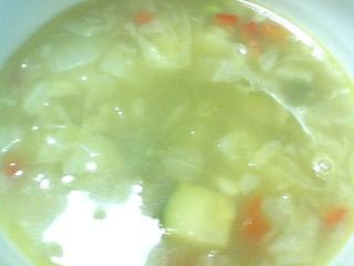 緑の野菜と岩塩のスープ  t