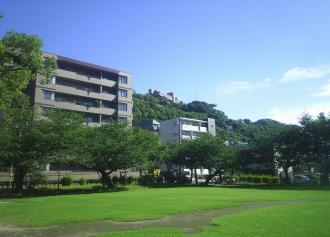 02 平田公園から城山を見上げる (30%)