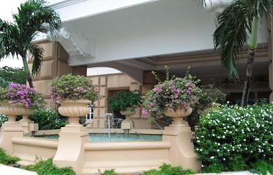 マラッカ・ホテルの玄関